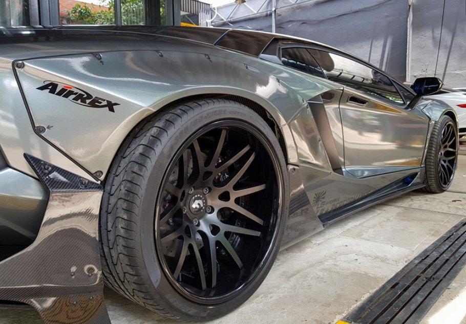 Cận cảnh Lamborghini Aventador độ chính hãng đầu tiên tại Việt Nam - Ảnh 7.