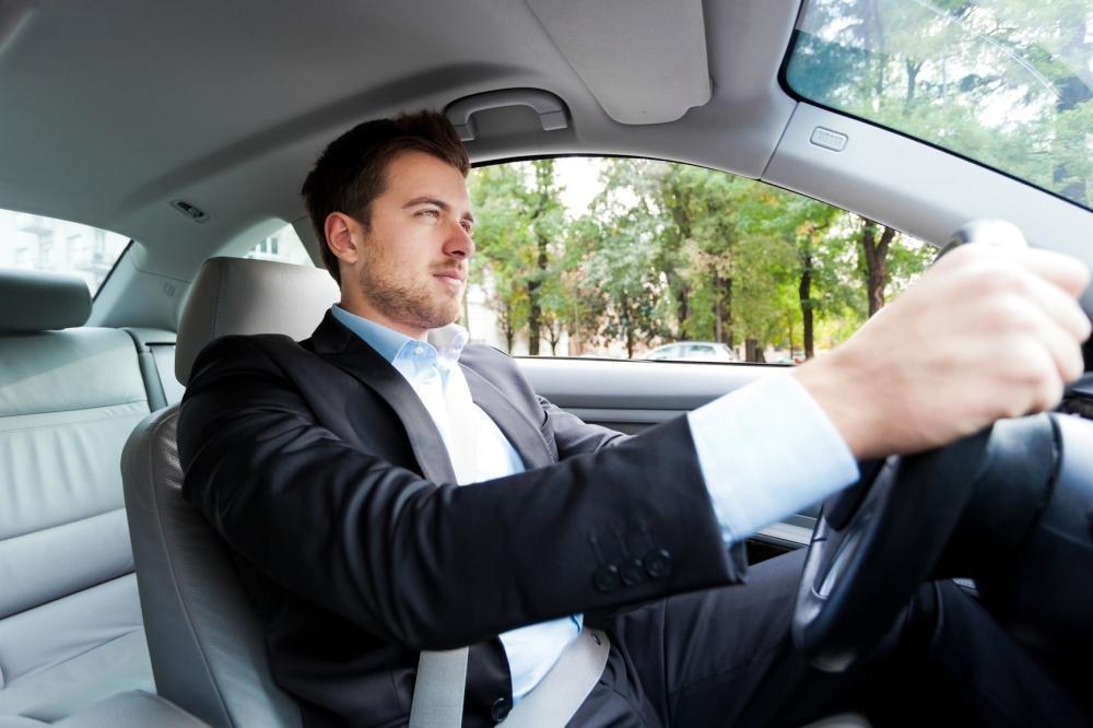 10 kinh nghiệm lái thử xe ô tô hữu ích dành cho người chuẩn bị mua xe 2.
