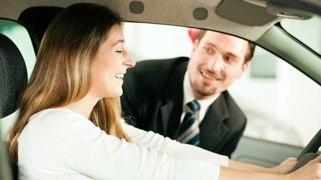 10 kinh nghiệm lái thử xe ô tô hữu ích dành cho người chuẩn bị mua xe 1.