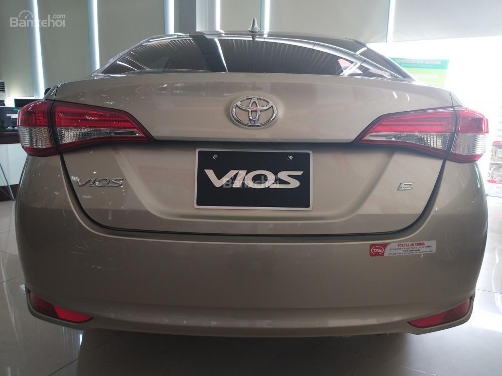Bán Toyota Vios, trả góp lãi suất tốt 3,99%/năm, giao xe ngay cùng nhiều ưu đãi khác-2
