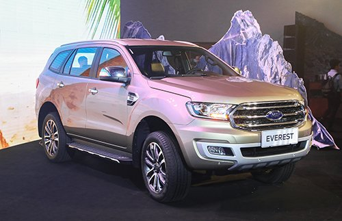 Giá lăn bánh các phiên bản Ford Everest 2018 mới ra mắt Việt Nam, cao nhất hơn 1,6 tỷ đồng.