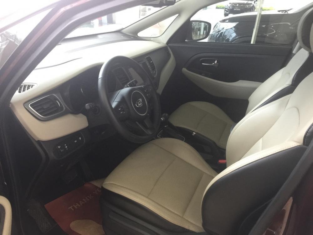 Đánh giá xe Kia Rondo 2018: Không gian hàng ghế trước...