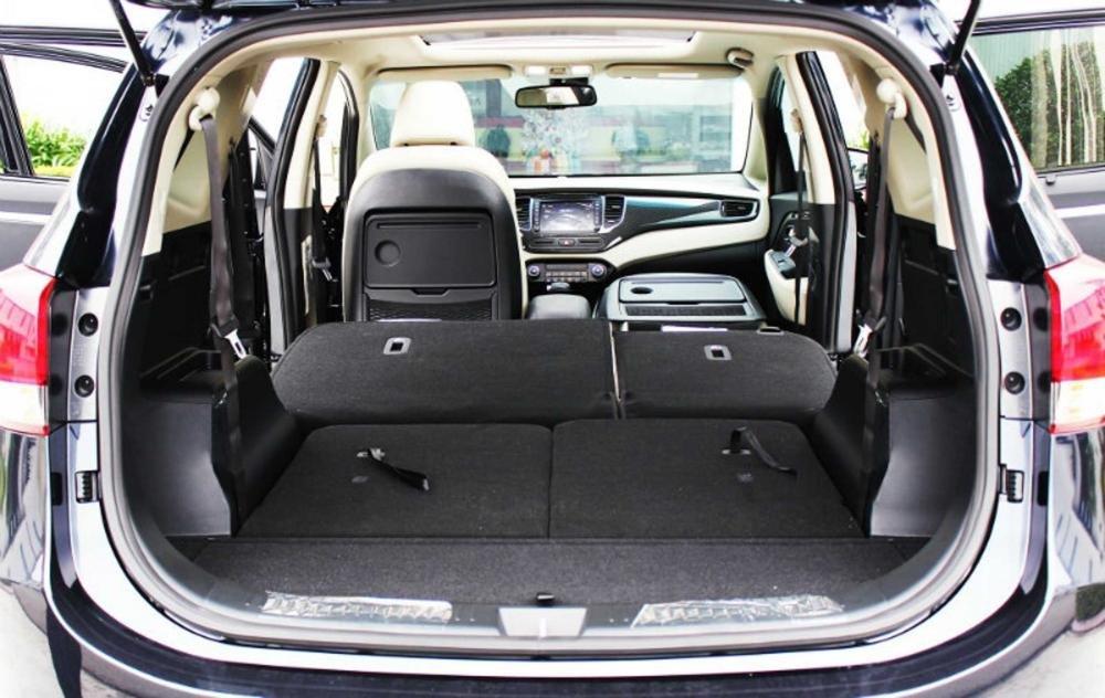 Đánh giá xe Kia Rondo 2018: Hàng ghế sau gập linh hoạt...