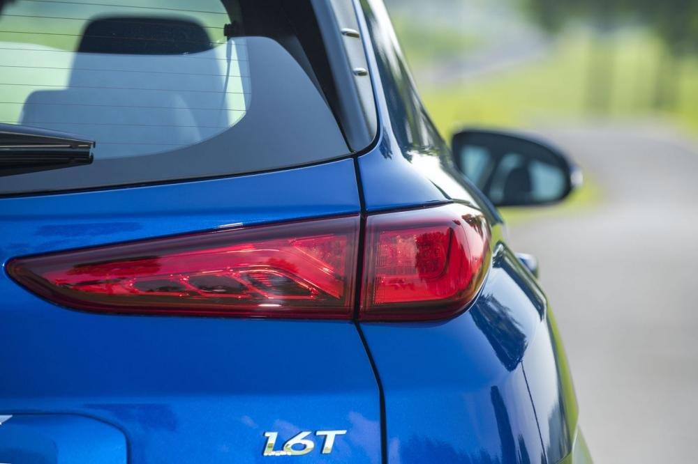 Đánh giá xe Hyundai Kona 2019 1.6 Turbo: Đèn hậu 1