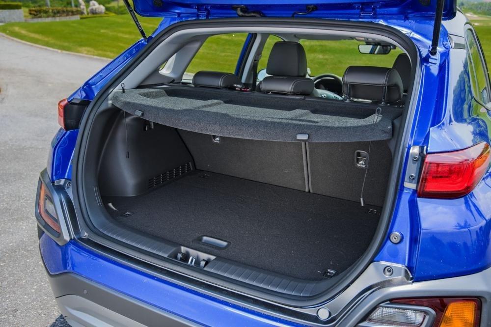 Thể tích cốp chứa đồ của Hyundai Kona 2019 1.6 Turbo là 361 lít 1