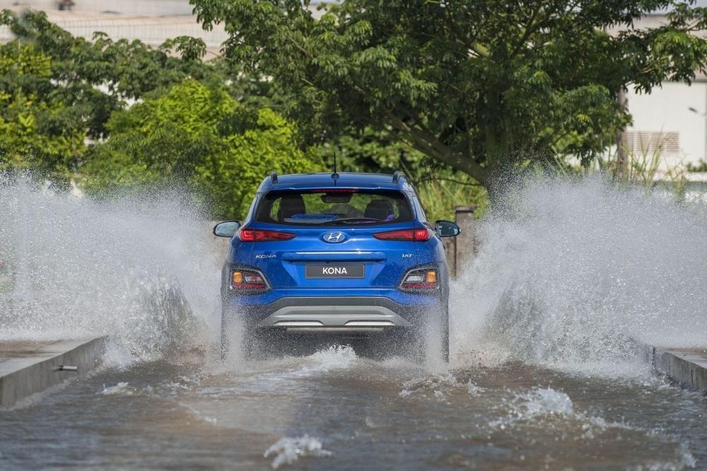 Đánh giá xe Hyundai Kona 2019 1.6 Turbo về thiết kế đuôi xe 1