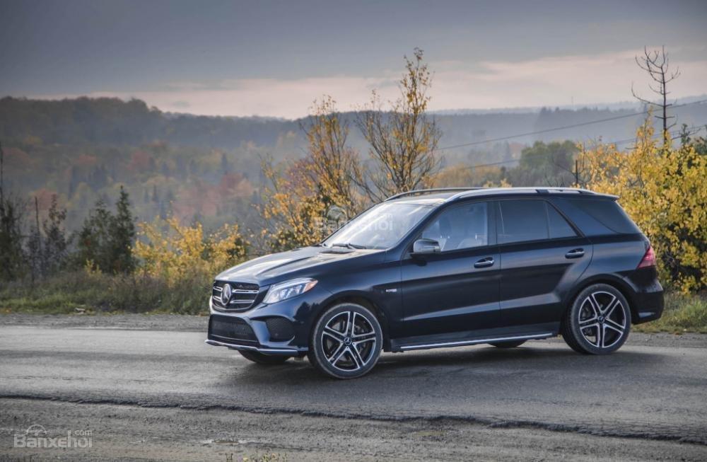 Mercedes-Benz GLE và GLS-Class 2018 bị triệu hồi do lỗi phanh - 1