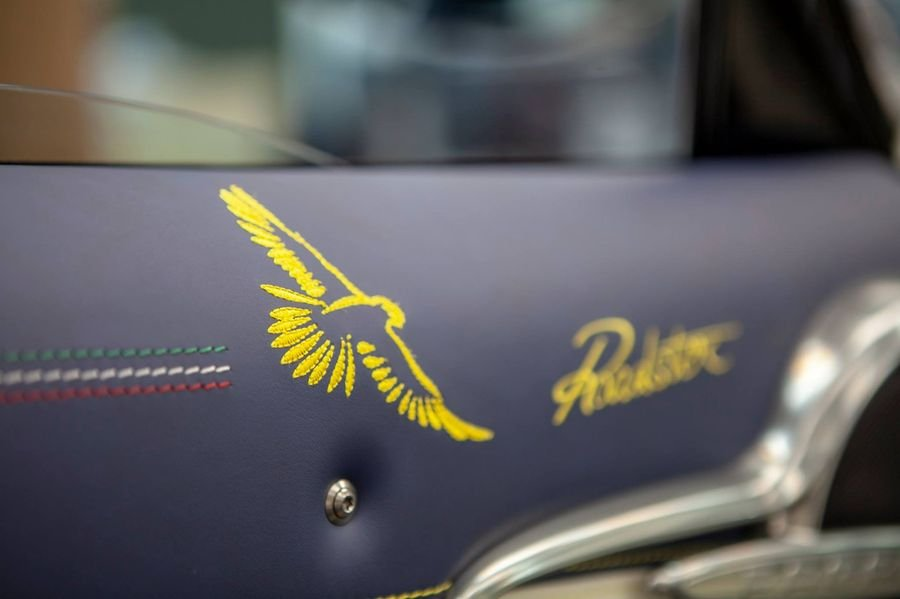 Pagani Huayra Roadster thiết kế chim ưng sải cánh ở Lễ hội Monterrey 3