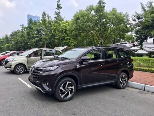 Toyota Rush lộ thêm hình ảnh mới tại đại lí 3