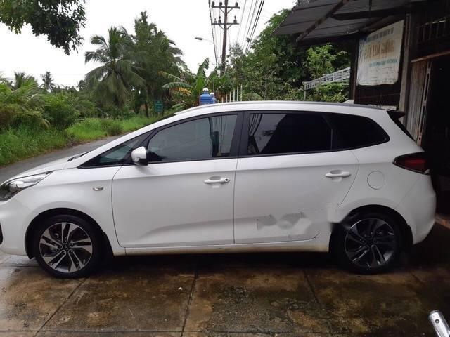 Bán ô tô Kia Rondo GMT 2.0 đời 2017, màu trắng số sàn (1)