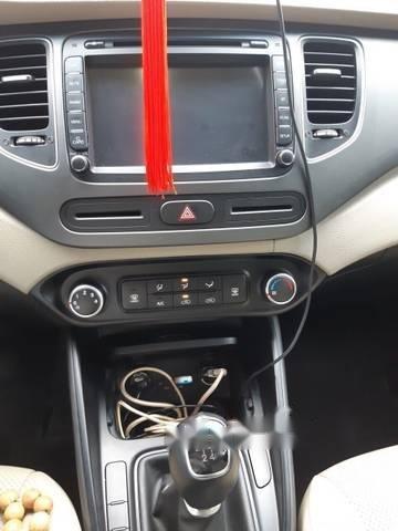 Bán ô tô Kia Rondo GMT 2.0 đời 2017, màu trắng số sàn (4)