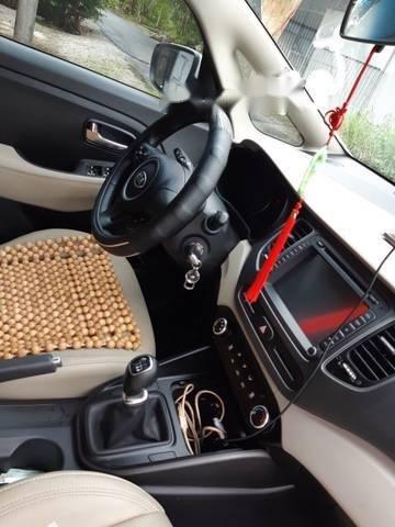 Bán ô tô Kia Rondo GMT 2.0 đời 2017, màu trắng số sàn (3)