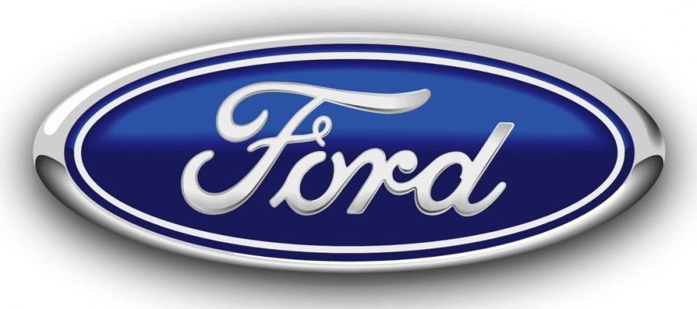 Ford và GM là hai hãng đi tiên phong sử dụng túi khí trên ô tô của mình...