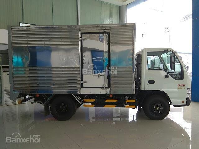 Bán xe tải Isuzu 2.4 tấn thùng kín tại Thái Bình (2)