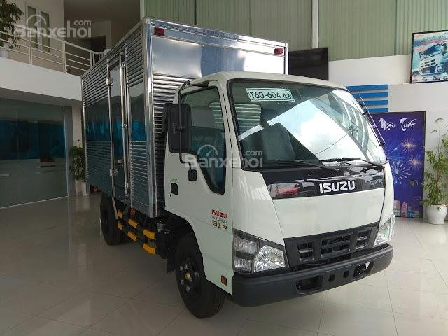 Bán xe tải Isuzu 2.4 tấn thùng kín tại Thái Bình (3)