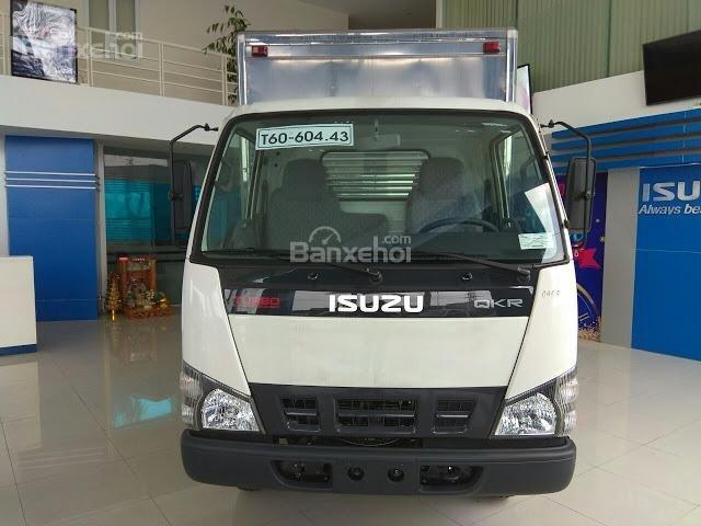 Bán xe tải Isuzu 2.4 tấn thùng kín tại Thái Bình (5)