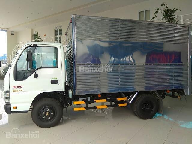Bán xe tải Isuzu 2.4 tấn thùng kín tại Thái Bình (4)