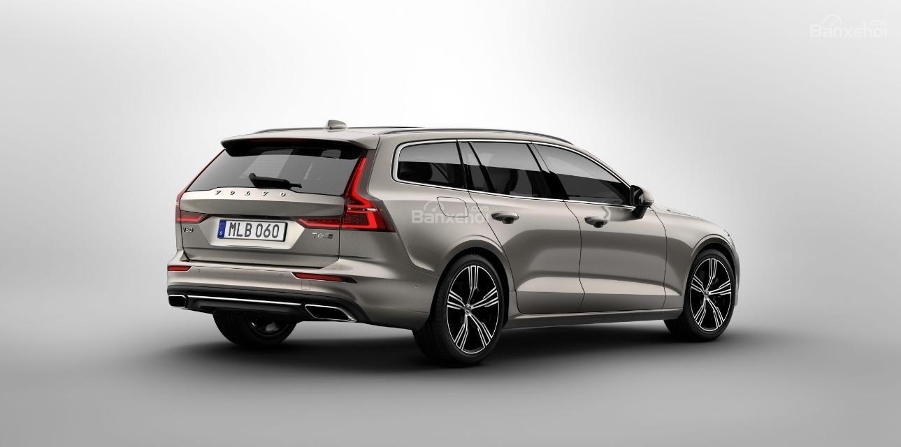 Đánh giá xe Volvo V60 2019 về thiết kế đuôi xe