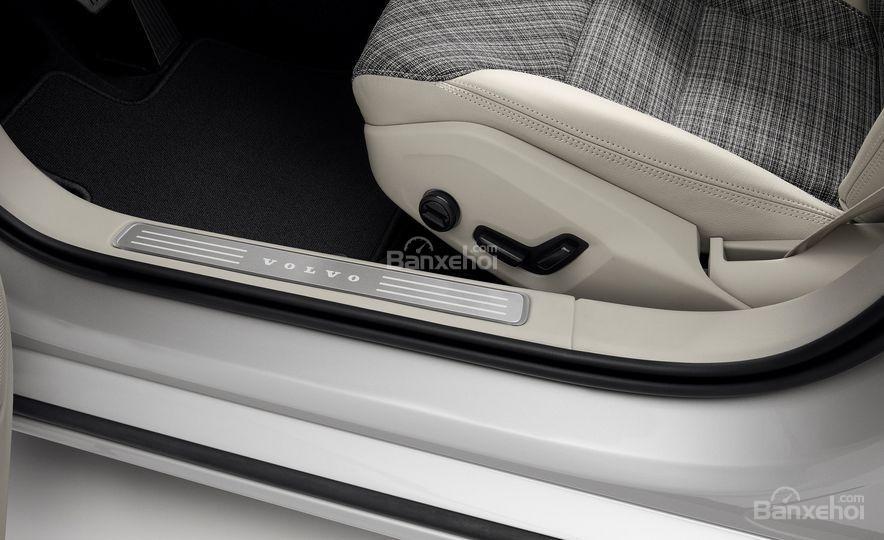 Đánh giá xe Volvo V60 2019 về trang bị tiện nghi 3a
