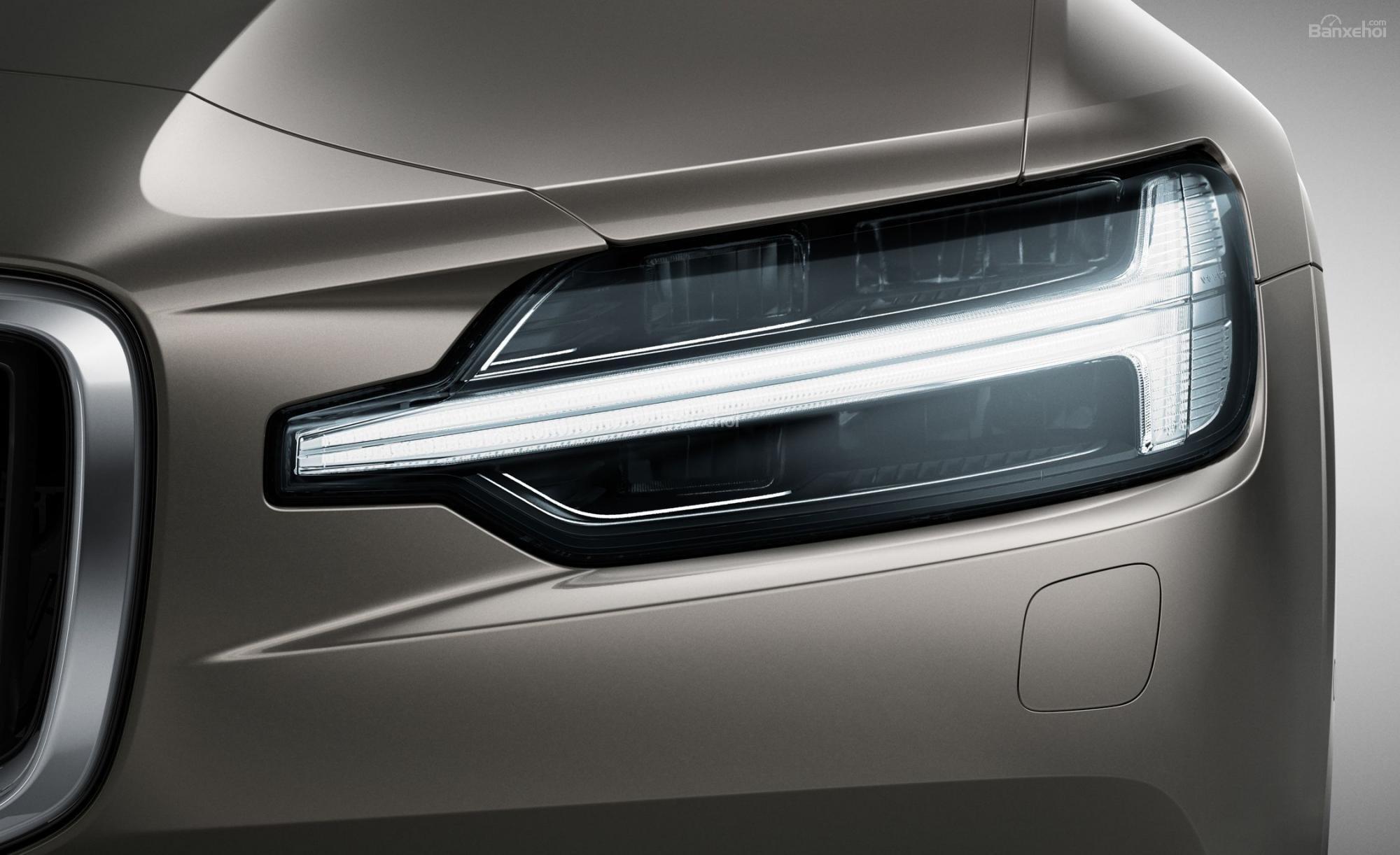 Đánh giá xe Volvo V60 2019 về thiết kế đầu xe