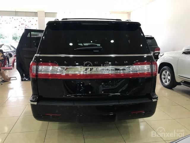 Bán Lincoln Navigator Navigator Black Label năm sản xuất 2019 màu đen, nhập khẩu-2