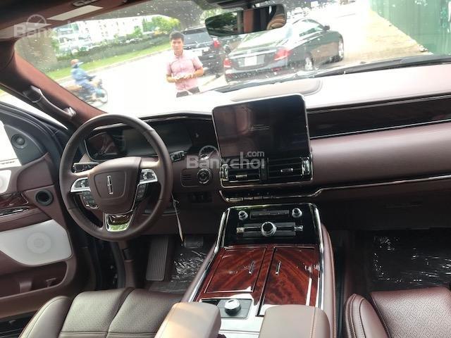 Bán Lincoln Navigator Navigator Black Label năm sản xuất 2019 màu đen, nhập khẩu-10