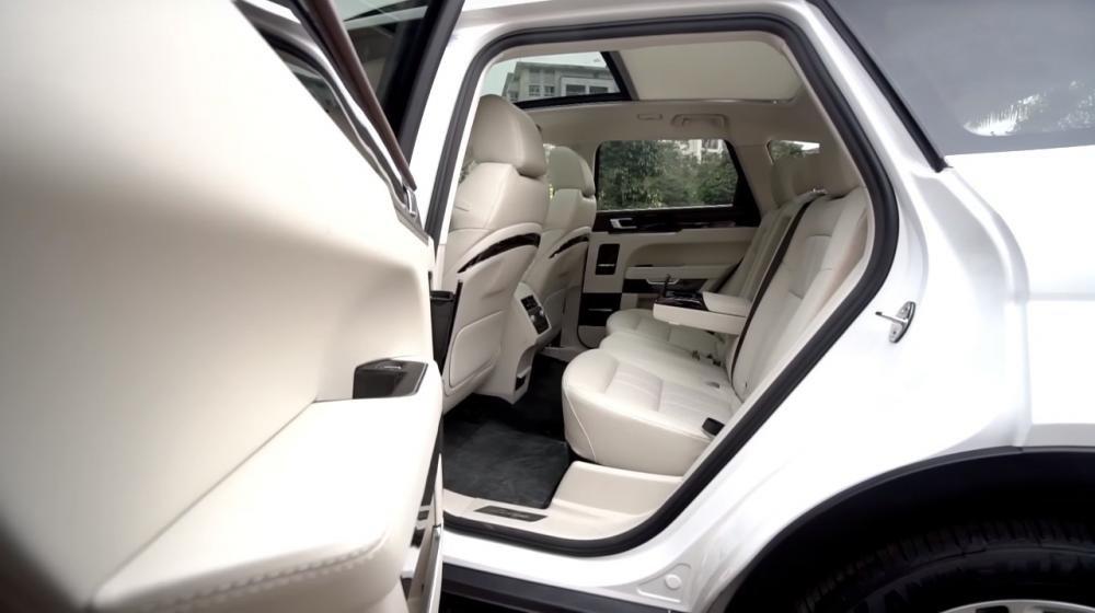 So sánh xe Mazda CX-5 2018 và Zotye Z8 2018 về ghế lái 2