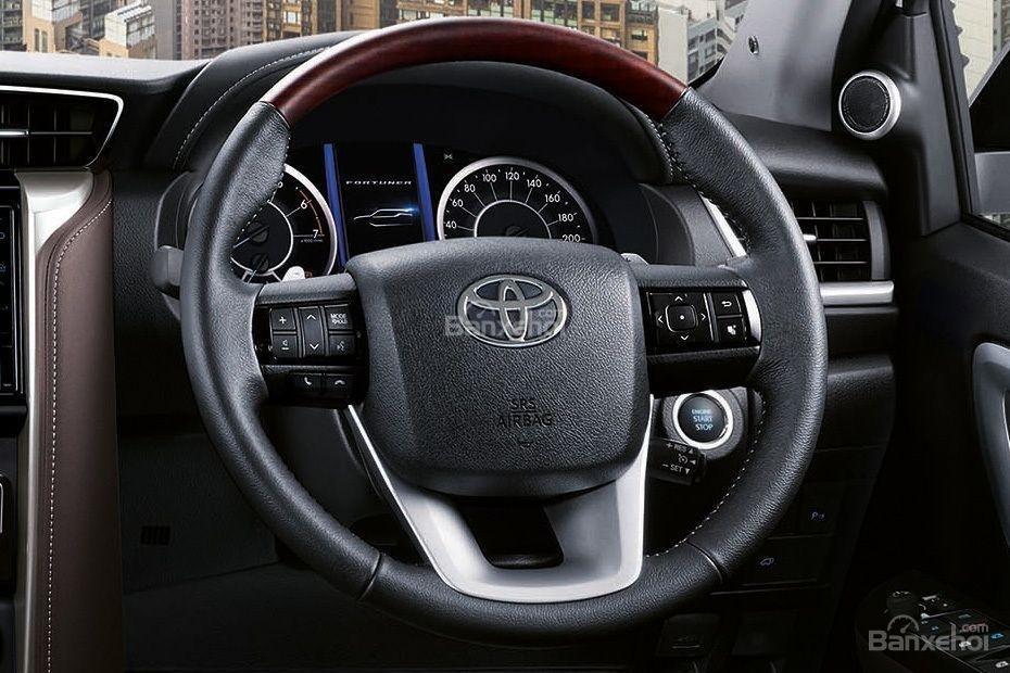 """Ảnh Toyota Fortuner TRD 2018 - Bản thể thao """"hot"""" TMV vẫn nợ khách Việt a16"""