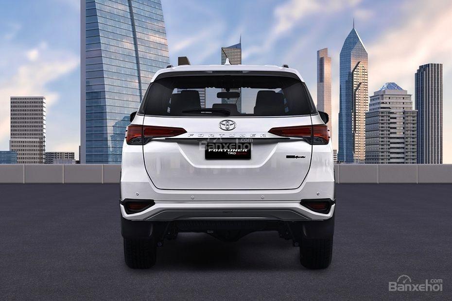 """Ảnh Toyota Fortuner TRD 2018 - Bản thể thao """"hot"""" TMV vẫn nợ khách Việt a7"""