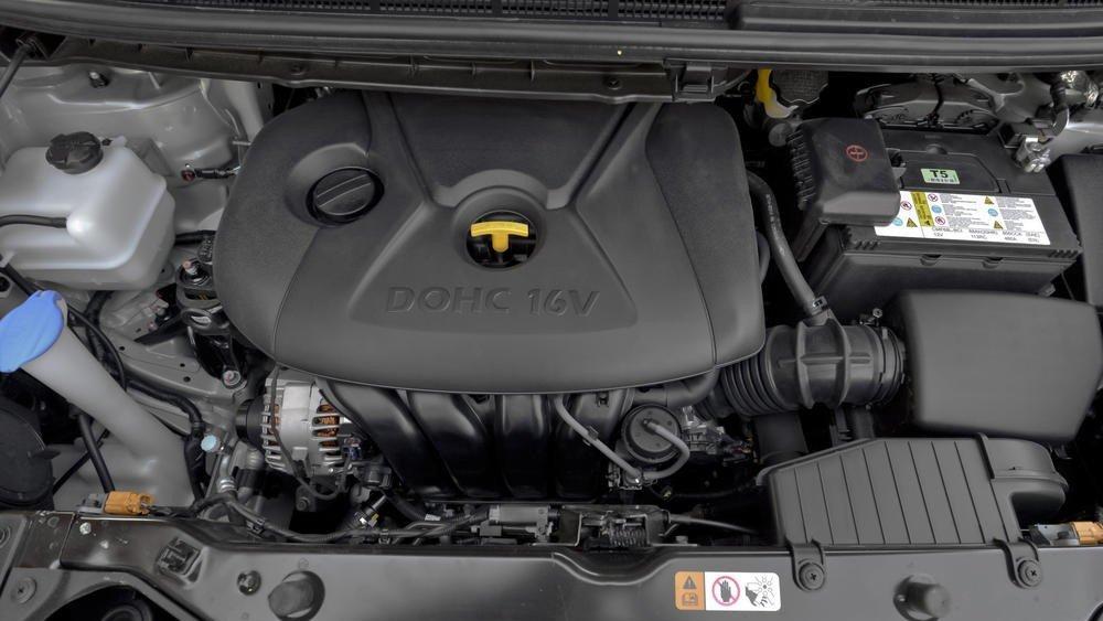 Trang bị động cơ Kia Rondo 2018