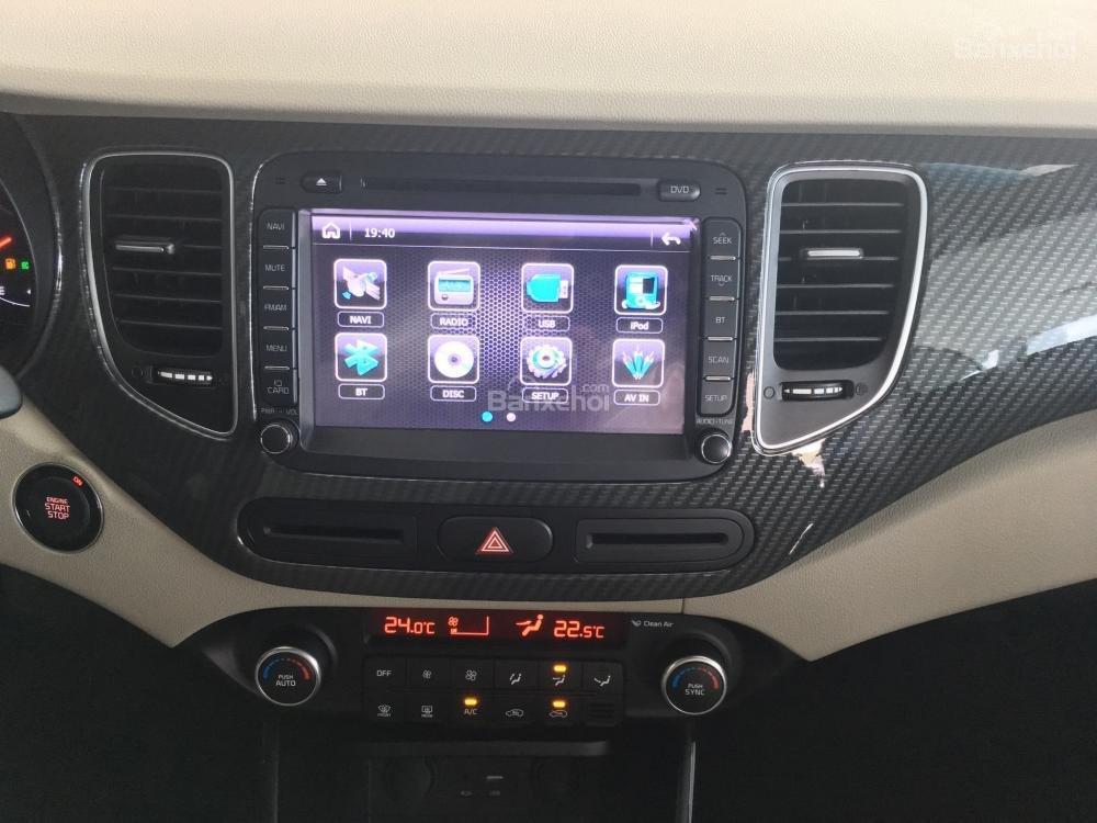 Trang bị tiện nghi trên Kia Rondo 2018
