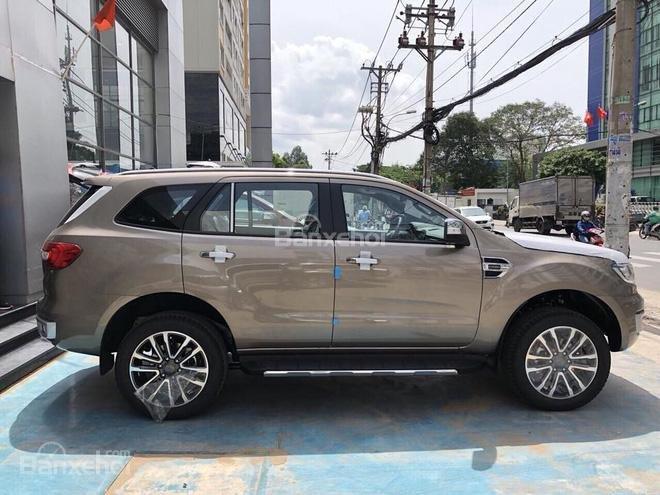 Ford Everest 2.0L mới 2018 số tự động 10 cấp, hỗ trợ trả góp 80%, 250tr nhận xe ngay-0