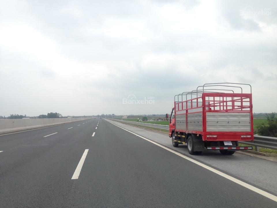 Phân phối bán xe tải Jac 2,4 tấn Hải Phòng, xe tải 2.4 Hải Phòng chất lượng Isuzu (6)