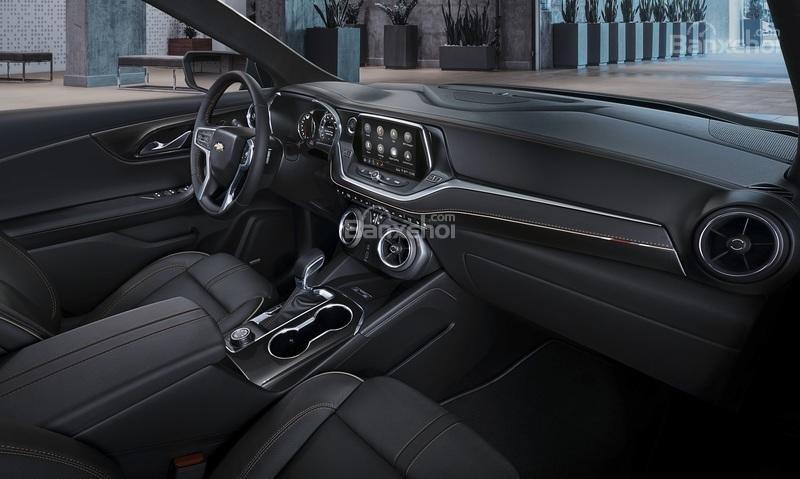 Đánh giá xe Chevrolet Blazer 2019: Khoang nội thất 5 chỗ rộng rãi...
