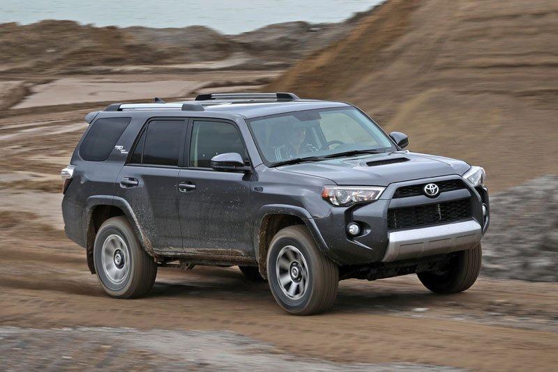 10 mẫu SUV địa hình cỡ nhỏ tốt nhất hiện nay: Xe Jeep được đánh giá cao 8.