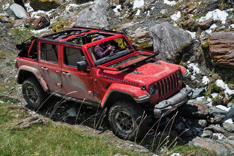 10 mẫu SUV địa hình cỡ nhỏ tốt nhất hiện nay: Xe Jeep được đánh giá cao 3.