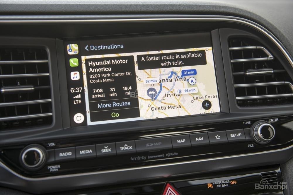 Đánh giá xe Hyundai Elantra 2019: Trang bị tiện nghi hữu ích.