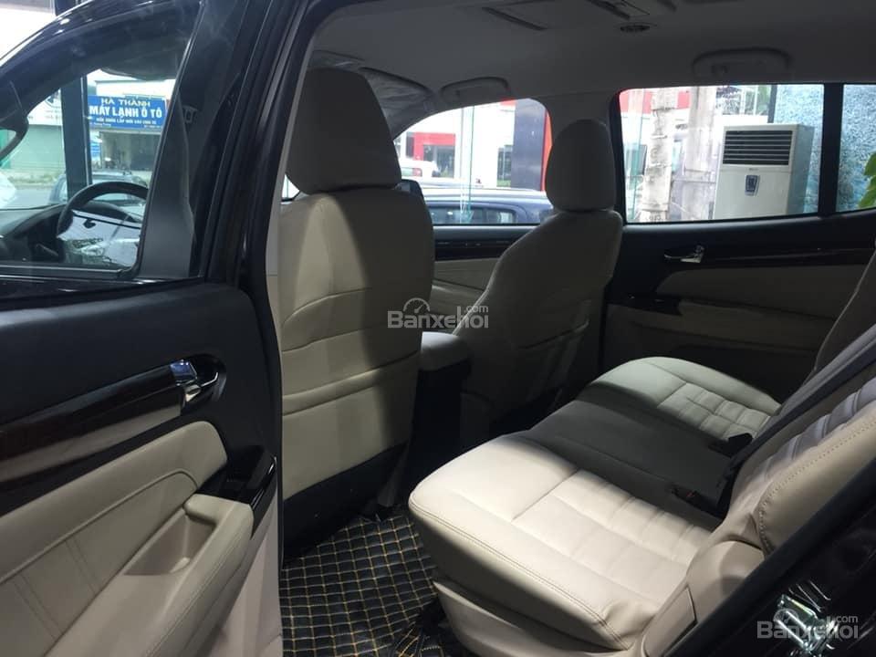 Bán xe Isuzu Mu-X đời 2018, màu nâu cafe, nhập khẩu, mua xe nhận ngay quà tặng trị giá 20 triệu đồng-8