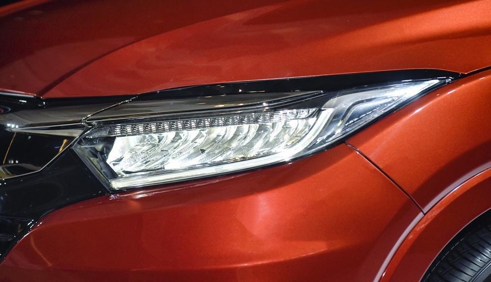 Đánh giá xe Honda HR-V 2019 L: Đèn pha Full LED 1