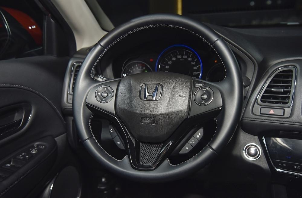 Đánh giá xe Honda HR-V 2019 L: Thiết kế vô-lăng 1