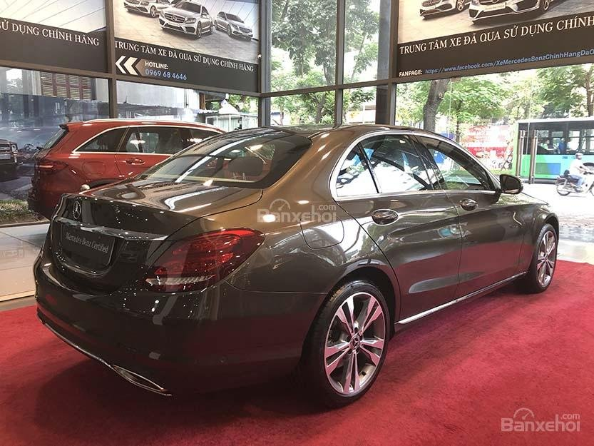 Bán xe Mercedes C250 cũ đăng ký 2018 màu nâu, chạy 12135 km, còn rất mới giá rẻ-4