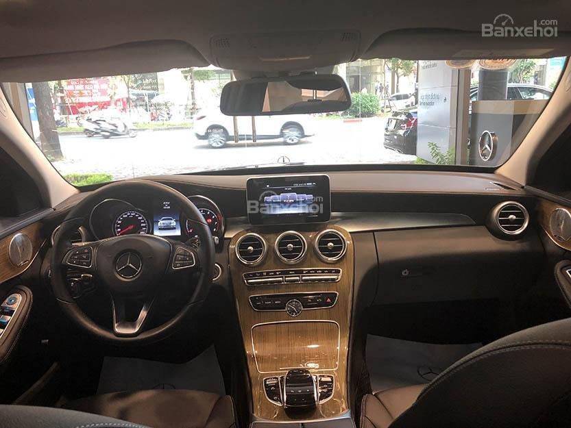 Bán xe Mercedes C250 cũ đăng ký 2018 màu nâu, chạy 12135 km, còn rất mới giá rẻ-6