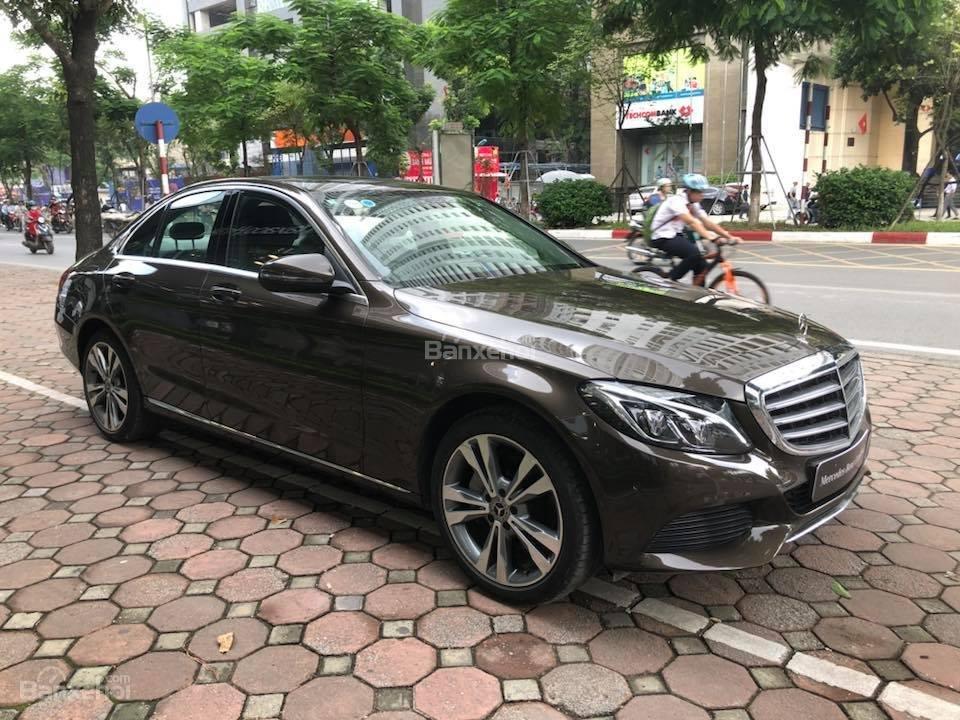 Bán Mercedes C250 cũ SX 2017, siêu đẹp-1