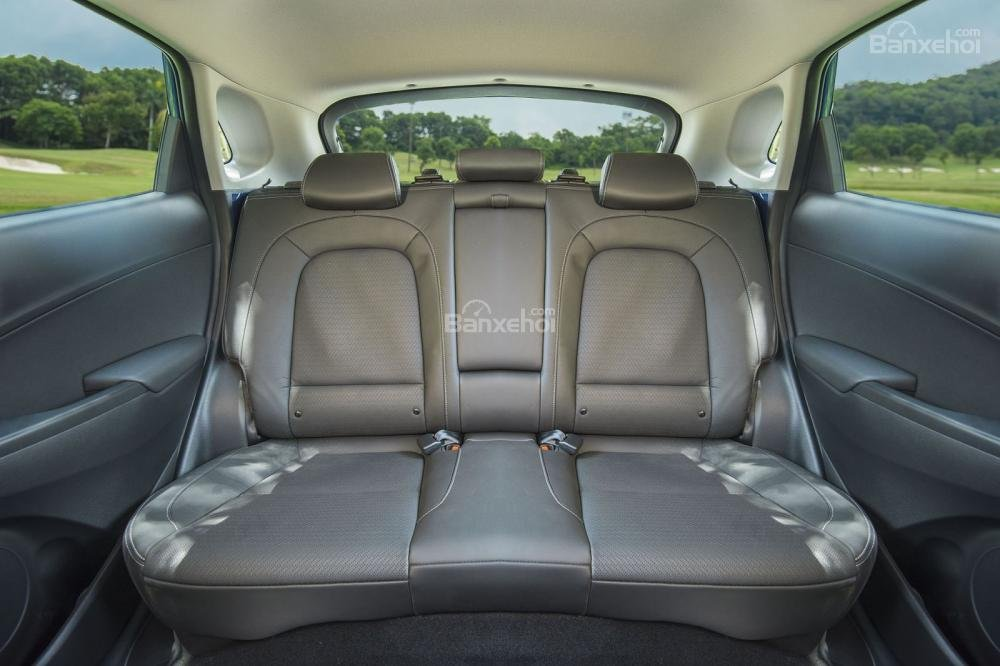 hàng ghế sau trên Hyundai Kona