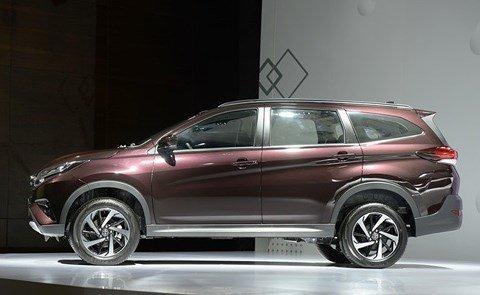 So sánh Mitsubishi Xpander và Toyota Avanza về thân xe.