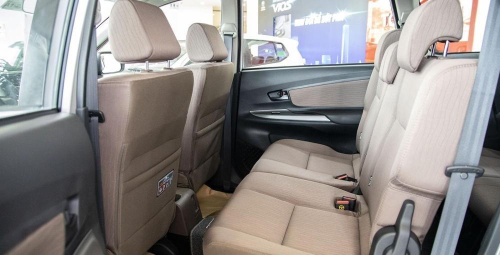 So sánh xe Toyota Rush và Toyota Avanza về ghế ngồi 2