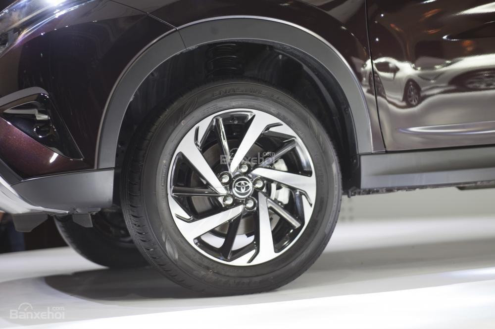 Trang bị bánh xe Toyota Rush 2018