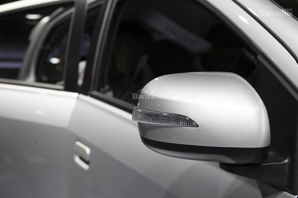 Gương chiếu hậu trên Toyota Wigo