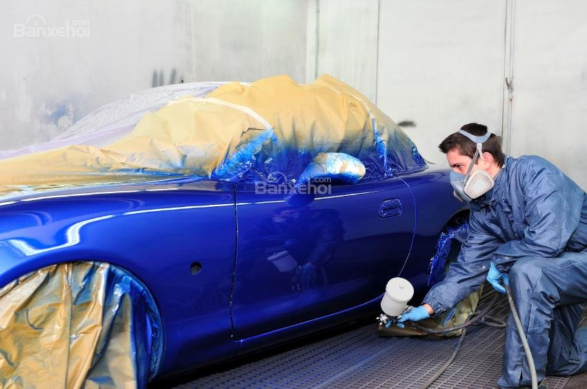 Nên sơn ô tô hay dán decal màu mới cho xe? - 2