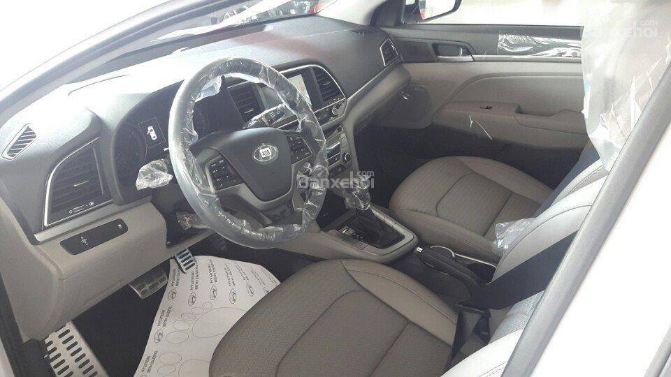 Bán xe Hyundai Elantra 2.0AT 2018, màu đỏ tặng phụ kiện, xe giao ngay-3
